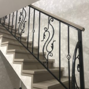 Заказать лестницы в Тюмени