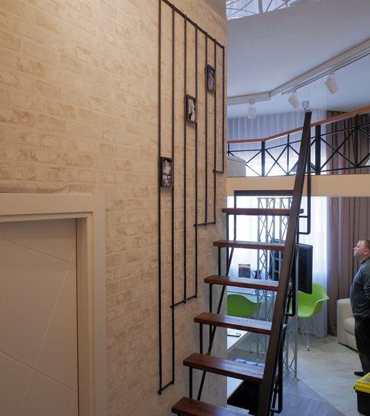 Металлическая лестница на второй этаж Тюмень