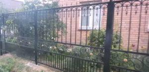заказать кованый забор в Тюмени недорого