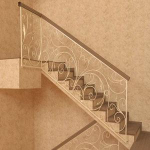 Кованые ограждения для лестниц в Тюмени
