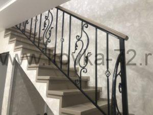 кованые перила для лестницы в Тюмени