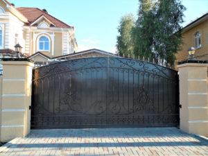 установка откатных ворот