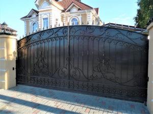Установка элитных откатных ворот в Тюмени